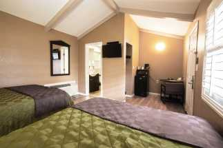 Tri Valley Inn - Two Queen Beds